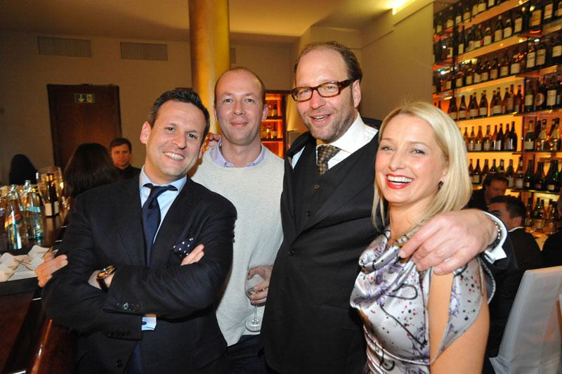 David Molner (Aramid), Nicolas Chartier (Voltage), Alexander van Dülmen, Katherine LaNasa